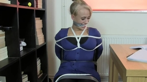 MILF rushes tied up HD