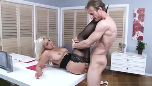 American Kylie Page is big tits mature