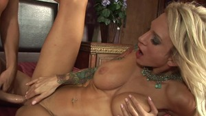 Tattooed Sarah Jessie gets a buzz out of good fucking
