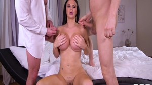British Jasmine Jae with Yanick Shaft rough threesome