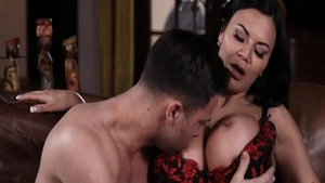 Sexy Jasmine Jae cougar got nailed sex scene