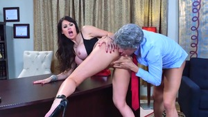 MILF Eva Karera does what shes told