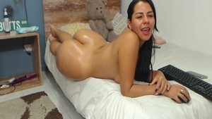 Young colombian girl fucked in the ass on web-cam