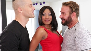 Raw threesome escorted by shaved ebony Lala Ivey