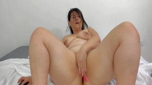 Big booty chubby latina babe oily fucked in the ass