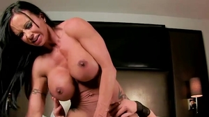 Brandi Mae fucked hard in motel in HD