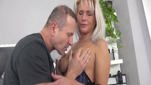 Big ass Kathy Anderson pussy eating XXX