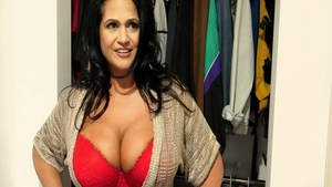 Busty american babe feels in need of fucking
