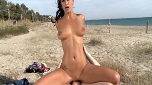 Stunning deutsch brunette need fucking HD