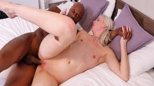 Blonde haired Lexi Lou sucking dick