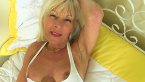 Pussy fucking alongside large boobs american blonde