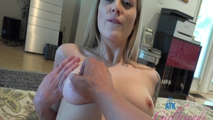 Sexy babe Paris White rushes loud sex