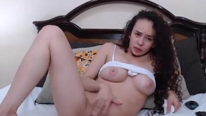 Solo super cute latina girl pussy fucking on live cam