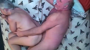 Close up ramming hard with saggy tits amateur