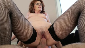 Mature enjoys greatly the best sex